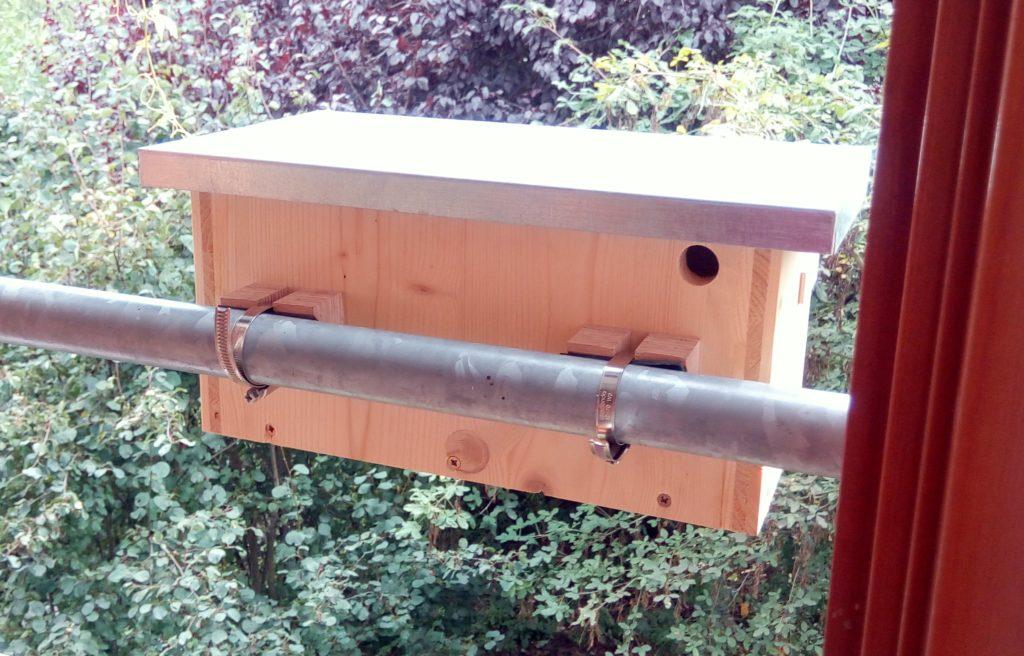 Birdbox to attach to balcony